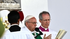 Pope targets corruption in politics