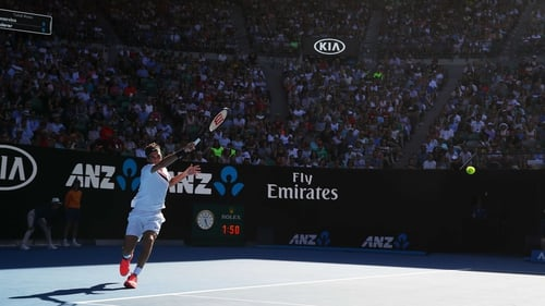 Veteran Federer welcomes new faces in Australian Open semis