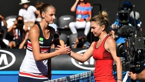 Simona Halep (r) has never reached the semi-finals before