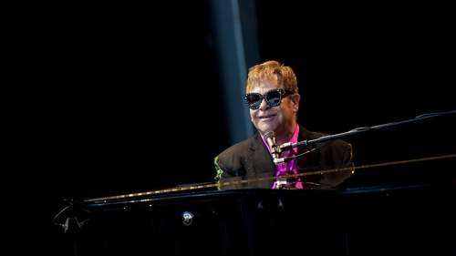 Elton: kept busy at the ivories until 2021