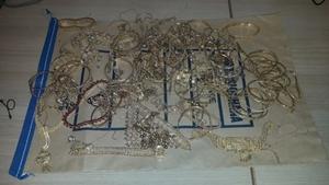 Gardaí believe the jewellery had been stolen