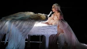 Lady Gaga: pain puts a halt to ten shows