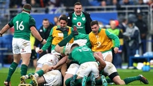 Ireland players celebrate with Johnny Sexton after he kicked the winning drop goal