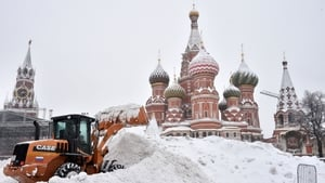 Snow piles up in Moscow's Red Square