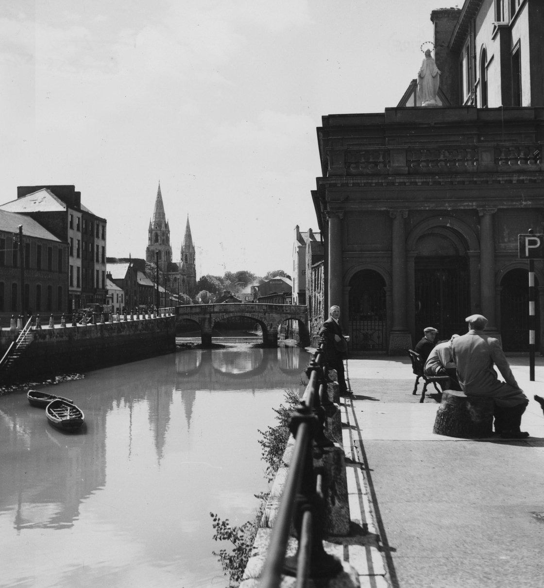 Image - The banks of the river Lee in Cork, 1950.
