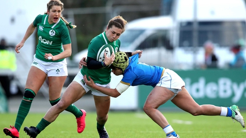 Katie Fitzhenry tackled by Michela Sillari