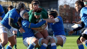 Ireland's Lindsey Peat tries to barge through Beatrice Veronese and Isabella Locatelli of Italy