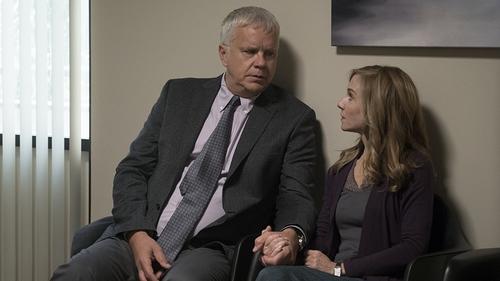 Tim Robbins and Holly Hunter