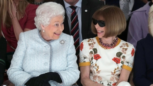 The face says it all! Queen Elizabeth II and Anna Wintour nail the frow