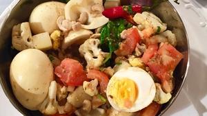 Richy's Potato, cauliflower, egg & spinach curry