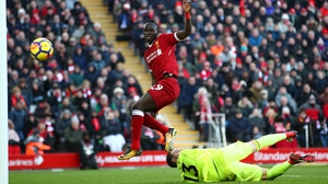 Sadio Mane clips home for Liverpool