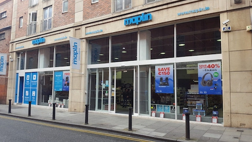 Electronics company Maplin falls into administration, putting 2,500 jobs at risk