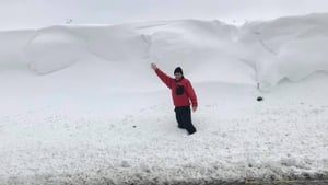 Killeagh Road in Offaly saw huge drifts of snow (Pic: Offaly Fire and Rescue)