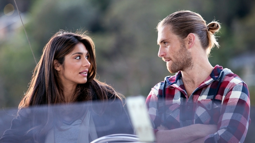 Kat tells Ash she has a plan to deal with Robbo on Home and Away