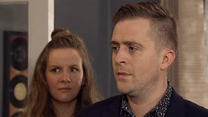 Mondo is put on the spot as Decco confronts him about his affair with Kerri-Ann on Fair City