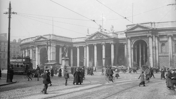 A time before the Luas: the Bank Of Ireland on Dublin's College Green in 1918