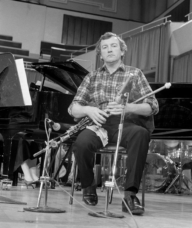 Liam O'Flynn rehearsing on stage at the National Concert Hall, Dublin, in September 1985
