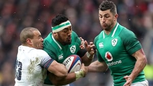 Bundee Aki on the charge