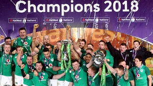 Ireland celebrate the clean sweep after victory at Twickenham