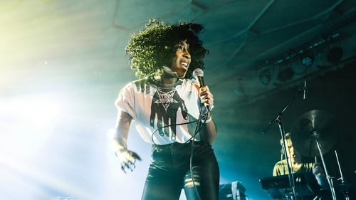 'Solange meets Shabazz Palaces...' WWWater takes the stage at Out The Frame (Pic: Michiel Devijver)