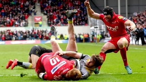 Scarlets' Rhys Patchell scores his side's opening try
