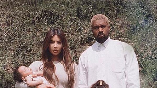 Kim Kardashian West and Kanye West - Shared new family picture Photo: Kim Kardashian West, Instagram