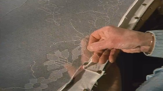 Limerick lace being made by Nell Mangan (1983)