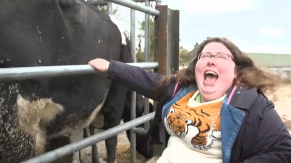 Alison Spittle tries her hand at cow milking!