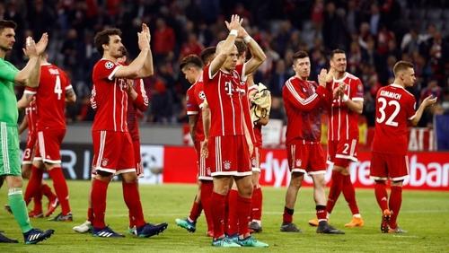 Bayern Munich's players celebrate