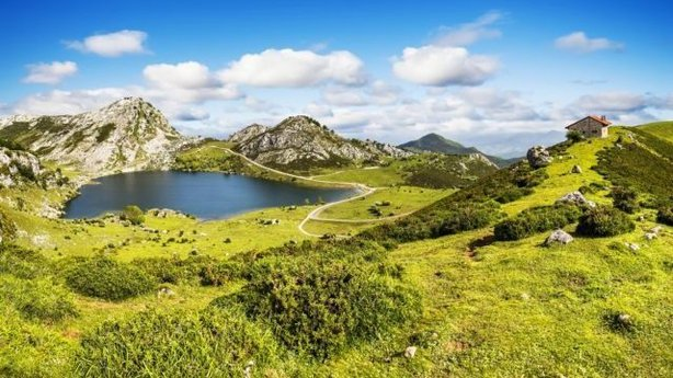 Lake Enol, Asturias, Spain (ThinkstockPA)