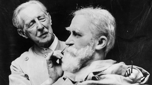 John Tussaud working on a model of George Bernard Shaw in 1930. Photo: General Photographic Agency/Getty Images