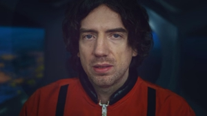 Gary Lightbody goes to new heights in Life on Earth music video