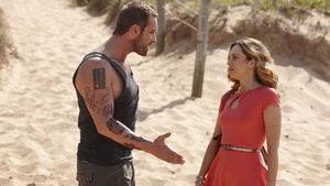 Robbo seeks professional help on Home and Away but it doesn't go to plan