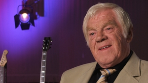 Big Tom during the filming of the RTÉ Television documentary series 'A Little Bit Country' in July 2005. Big Tom featured on the show broadcast on 31 March 2006.