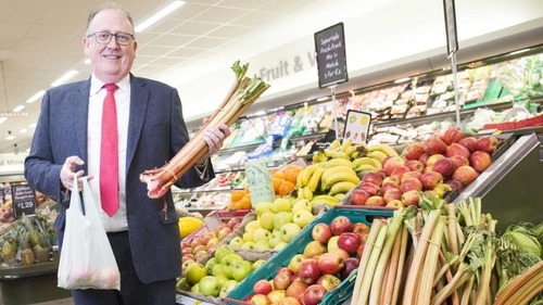 Managing Director of SuperValu, Martin Kelleher, holding a compostable bag