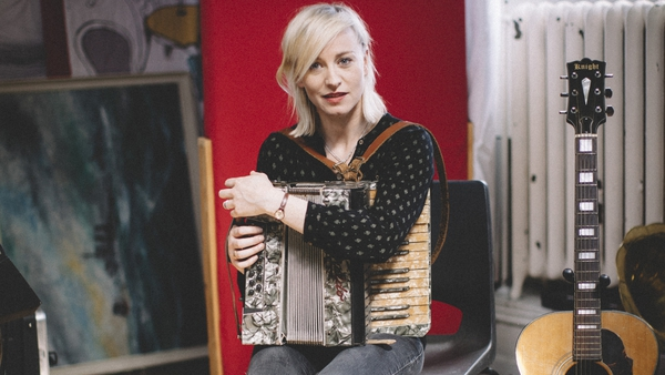 Exclusive: Watch Cathy Davey perform brand new track Uninsurable