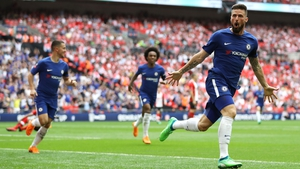 Olivier Giroud celebrates his goal