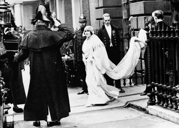 Lady Elizabeth Bowes-Lyon on her way to wed the Duke of York (PA Archive)