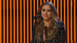 "Una Healy performs ""Never see me cry""  