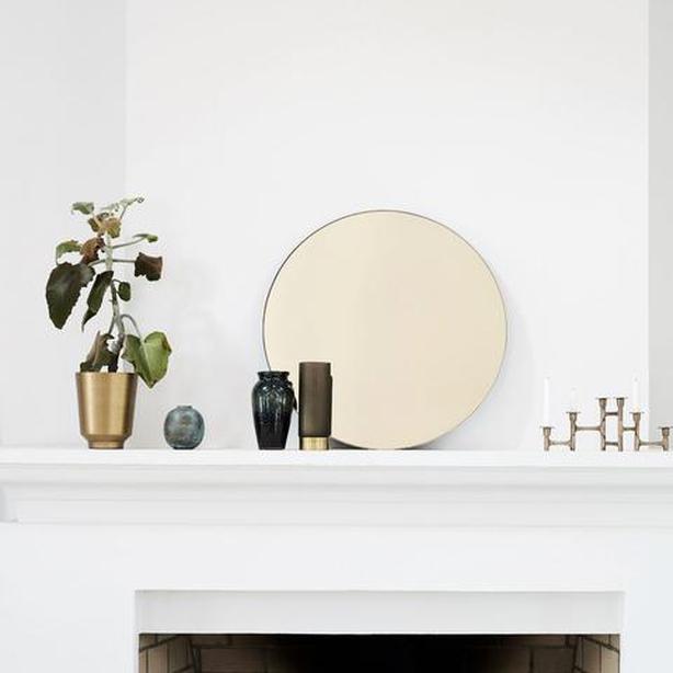 Dust gold round mirror