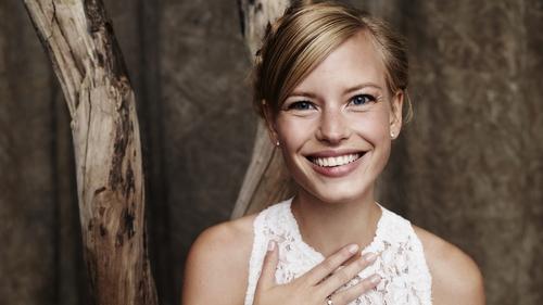 6 Steps to a Sparkling Wedding Smile