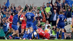 Devin Toner scoring Leinster's opening try on the half-hour mark