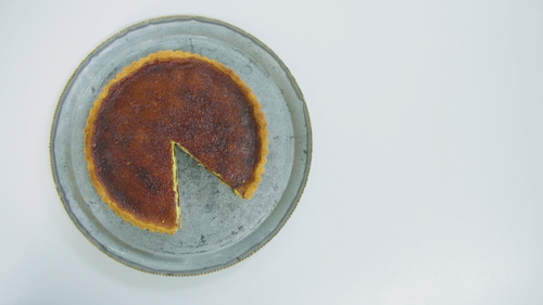 Medjool Date and Vanilla Tart