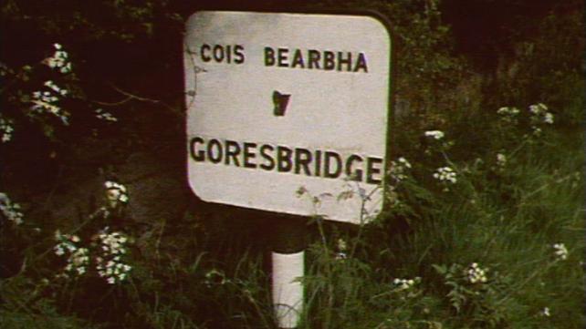 Goresbridge road sign, County Kilkenny (1978)