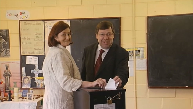 Taoiseach Brian Cowen and his wife Mary Molloy vote in Lisbon Treaty Referendum (2008)
