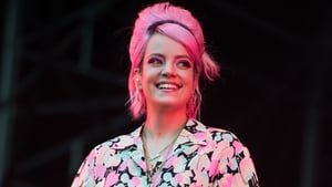 Lily Allen reveals her divorce has been finalised