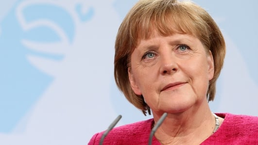 Angela Merkel given two weeks to find European solution to end influx of asylum seekers