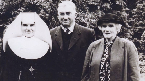 Sister Jo with her parents, Josephine and Patrick Murray.  Photo courtesy of the Murray family