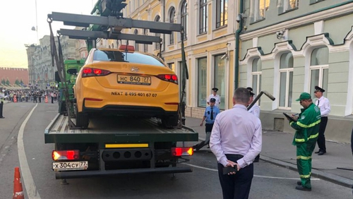 Russian Taxi-Driver Rams Into Pedestrians, Injures Eight