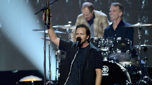Pearl Jam cancel London gig as Vedder loses voice